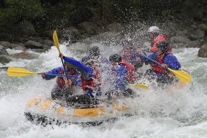 Rafting Valsesia Piemonte Italia in primavera.
